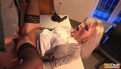 Rought table fuck with hot MILF Kathy Anderson