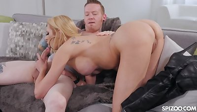 Ultimate MILF Briana Banks Is Full Of Sex