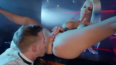 Blondie sucks cock and fucks in steely XXX play
