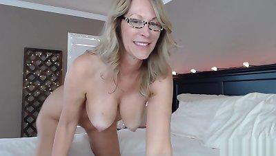 Slut Milf Fucks Nuisance On Live Webcam Show