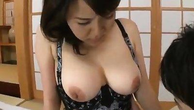 Japanese MILF has got big boobs