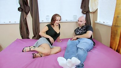 Hardcore fucking on the approach closely with dick loving pornstar Megan Faux