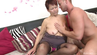 Younger darling slides his dick in tight pussy be proper of grown up Emmi
