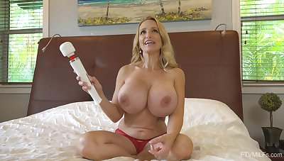Irresistible Billi unaccompanied can't stop using her way-out vibrator