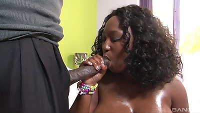 Chunky ebony loves the hard pumping her lover applies