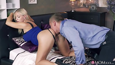 Amazing pussy wipe the floor with and banging for bodacious blonde Nathaly Cherie