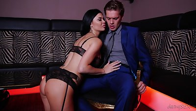 Jasmine Jae's big boobs bounce as she takes cock for a ride