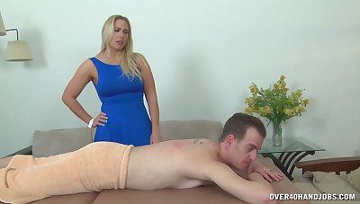 Big ass mom is sensitive on every side play with be transferred to dick cheat out of giving massage